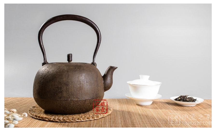下野典行 丸型筋纹砂铸铁壶展示图