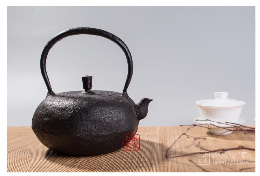 御釜屋 龟甲形砂铸铁壶展示图