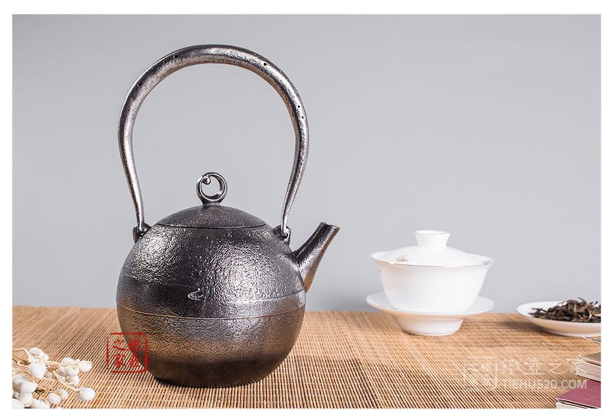 田山和康 胧月砂铁铁壶(小号)展示图