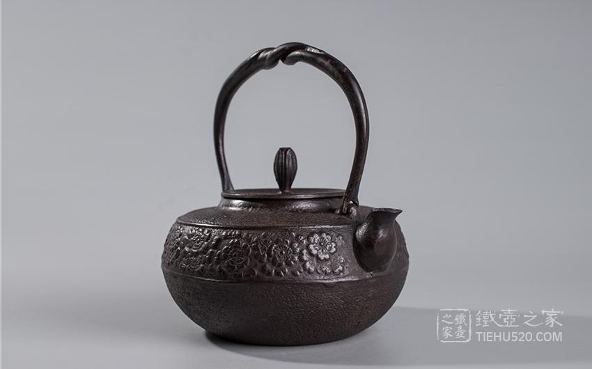 佐藤守巨 樱花纹老铁壶展示图