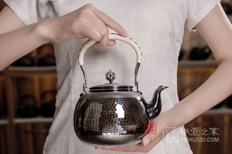 龟甲纹银壶