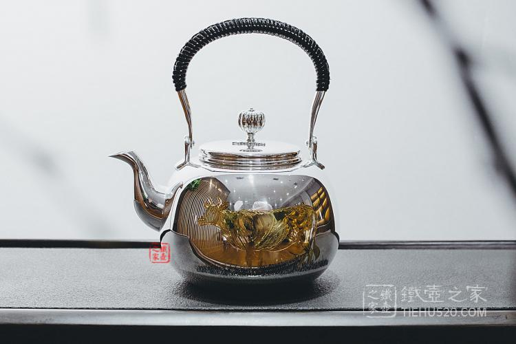 日本牛雕金银壶