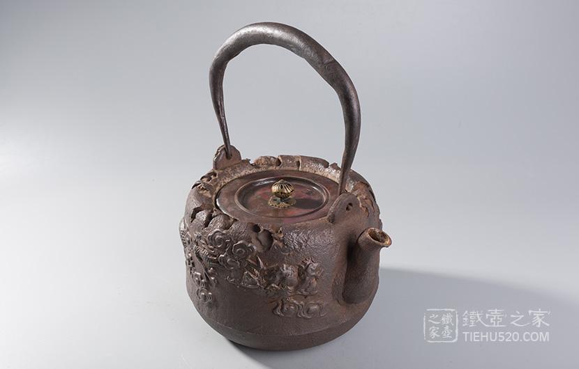 龙文堂 明治时期云龙老铁壶展示图
