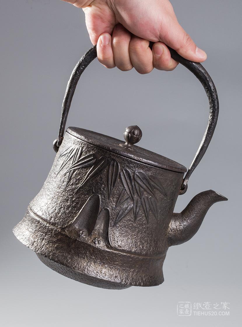 高文堂 桶型竹纹老铁壶展示图