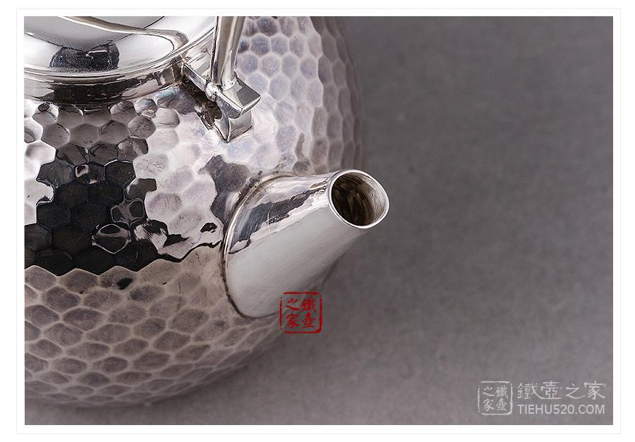 承合银器 纯银 枣形龟甲纹炮口银壶展示图