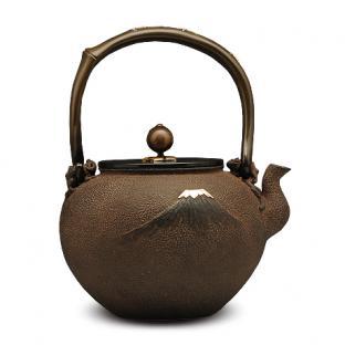 高陵金寿堂  富士浜松图铁壶