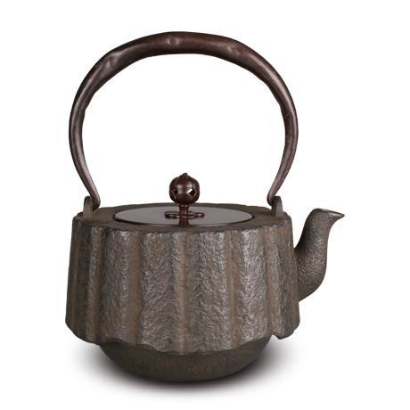 平安松寿堂 菊割尾垂砂铸铁壶